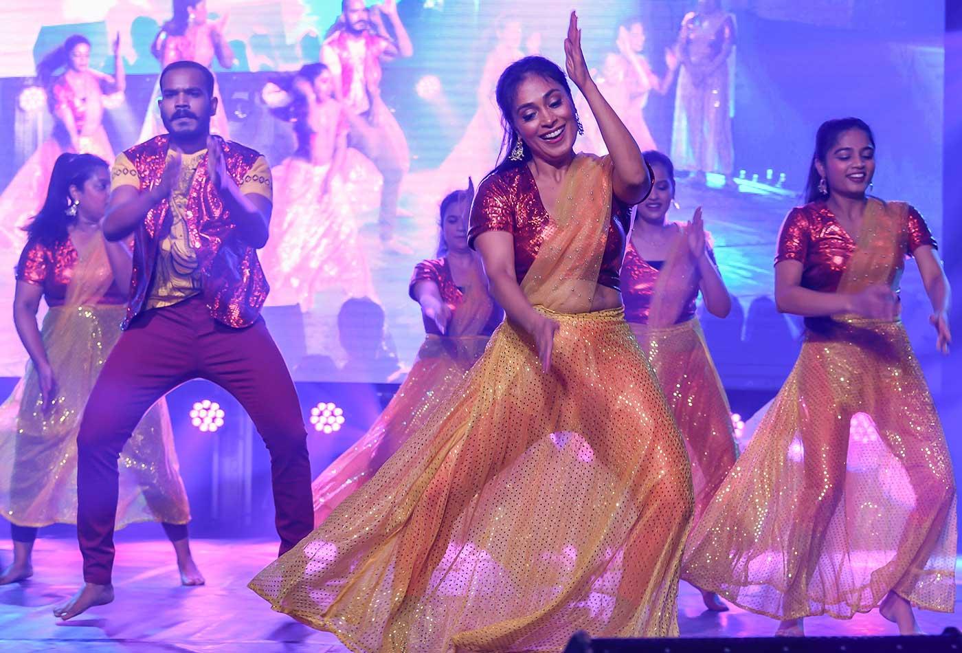 navras-Bollywood-dance-company-amsterdam-min
